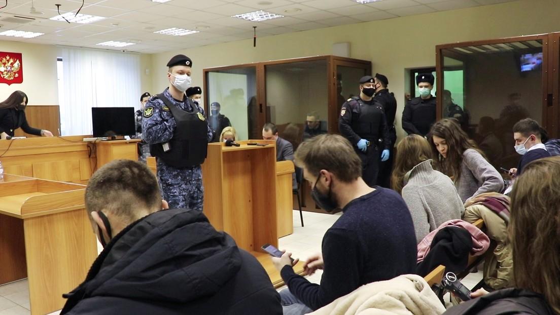 Nawalny: Gewaltaufrufe gegen Staatsanwältin in Prozess wegen Beleidigung von Kriegsveteran