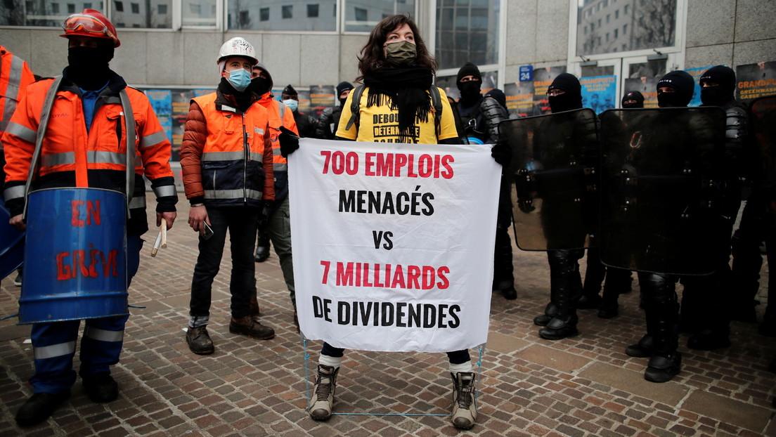 Paris: Zusammenstöße zwischen streikenden Raffineriearbeitern und Klimaschützern mit der Polizei