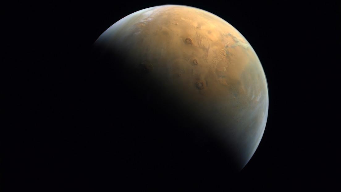 Vereinigte Arabische Emirate zeigen Mars-Bild von ihrer Raumsonde