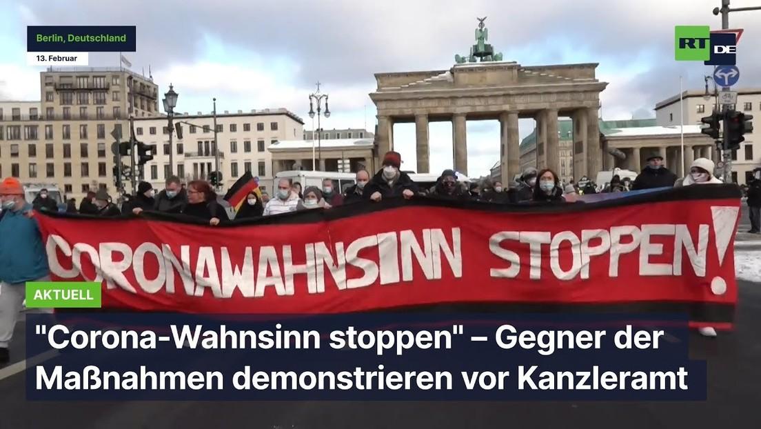 """Corona-Wahnsinn stoppen"" – Gegner der Maßnahmen demonstrieren vor Kanzleramt"