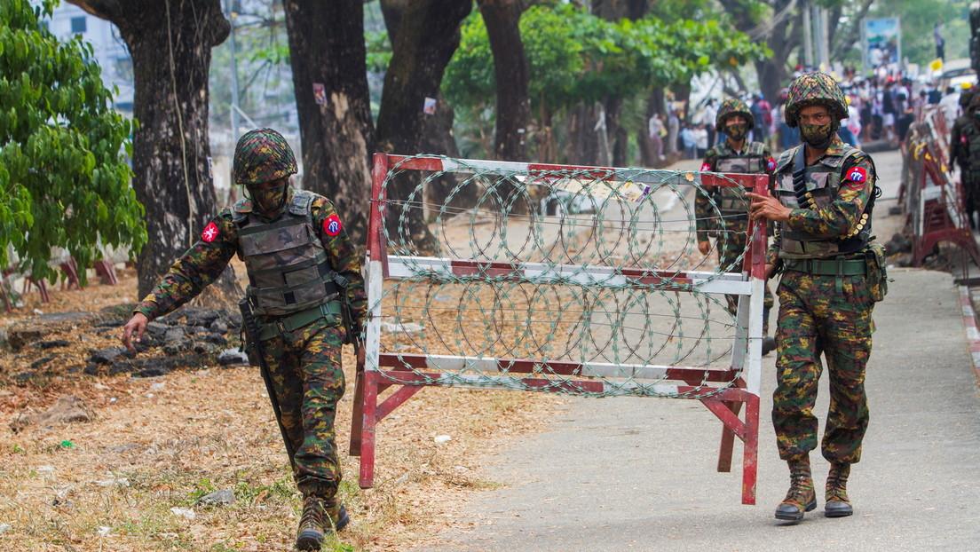 Myanmar nach dem Putsch: Polizei schießt auf Demonstranten
