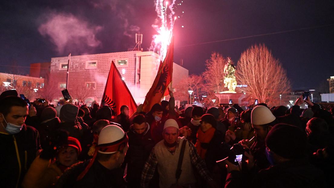 Linke setzt sich bei Wahlen im Kosovo klar gegen die ehemaligen UÇK-Funktionäre durch
