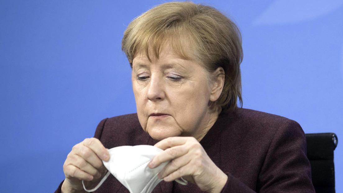 Video geht viral: Auch die Kanzlerin vergisst mal ihre Maske