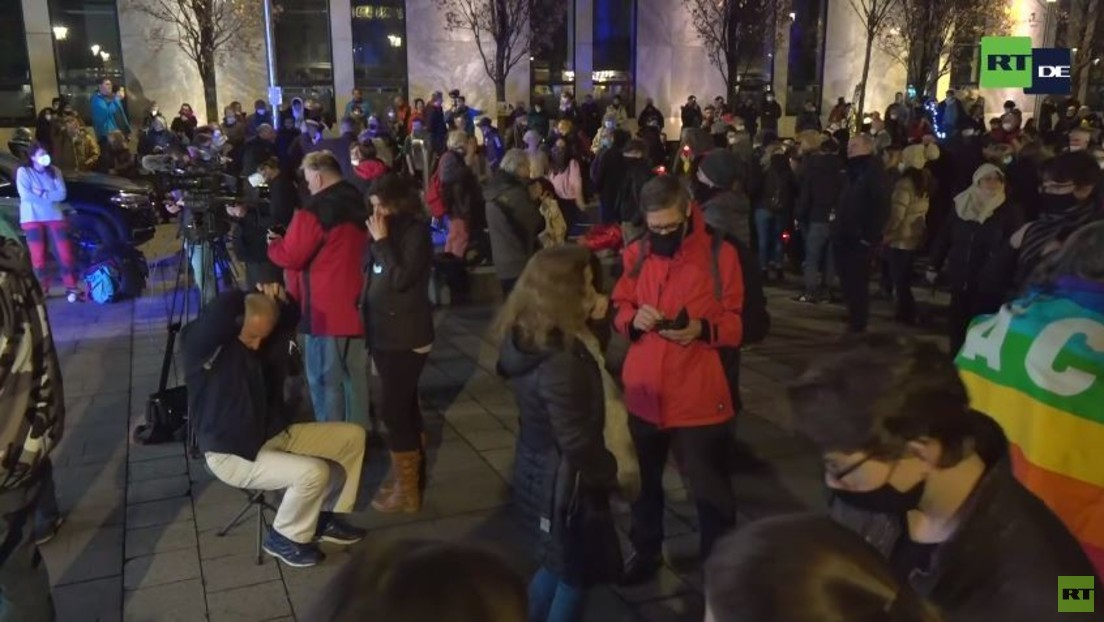 LIVE: Gegner der Corona-Maßnahmen protestieren in Nürnberg