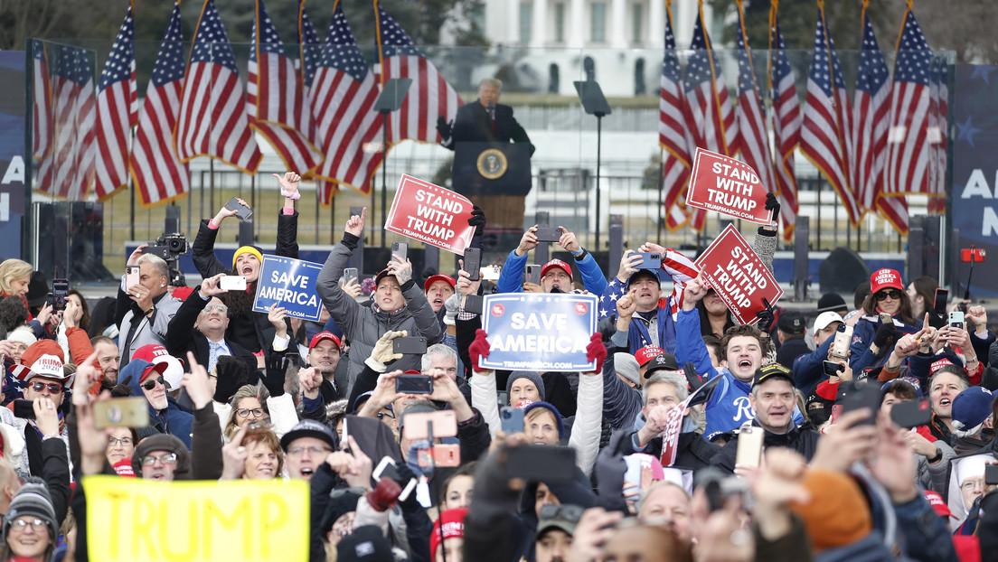Laut einer Umfrage würde fast die Hälfte der Republikaner ihre Partei für Donald Trump verlassen