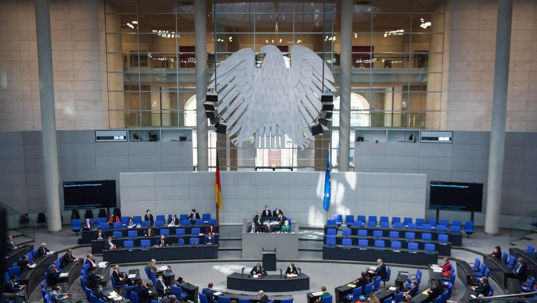 LIVE: 212. Sitzung des Bundestages | Frauenquote in Vorständen | Schutz des Bargelds