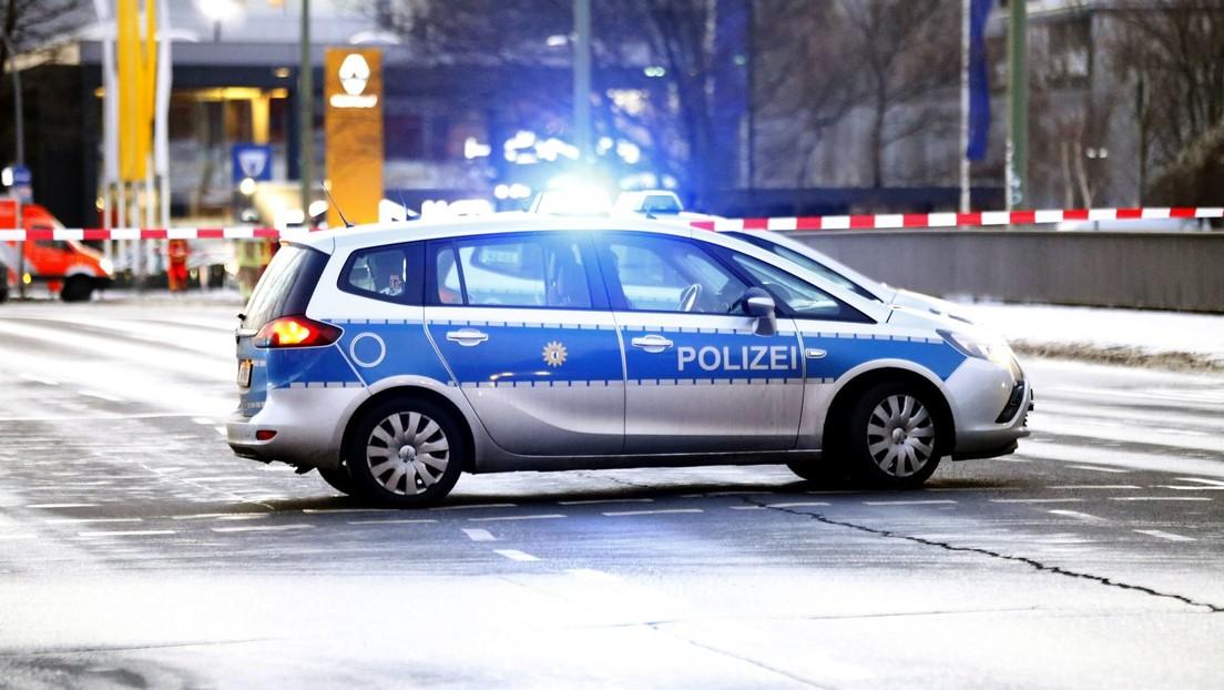 Schlägerei in Berlin: 40 Menschen gehen mit Messern, Rohren und Stöcken aufeinander los