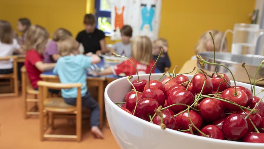 Lieber Süßigkeiten statt Obst: Pandemie, geschlossene Kitas und Schulen fördern ungesunde Ernährung