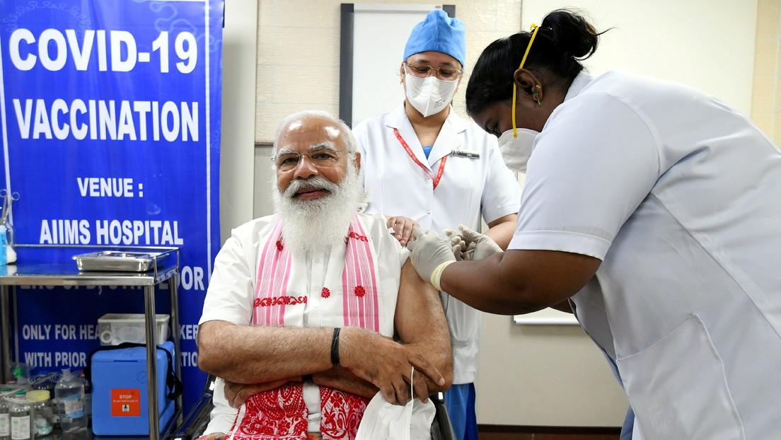 Indien: Premierminister Modi lässt sich gegen das Coronavirus mit einheimischem Vakzin impfen