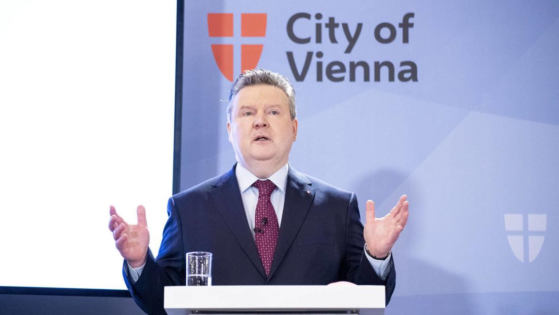 Wiener Bürgermeister zeigt, wie man Kneipen auf die Straße bringt