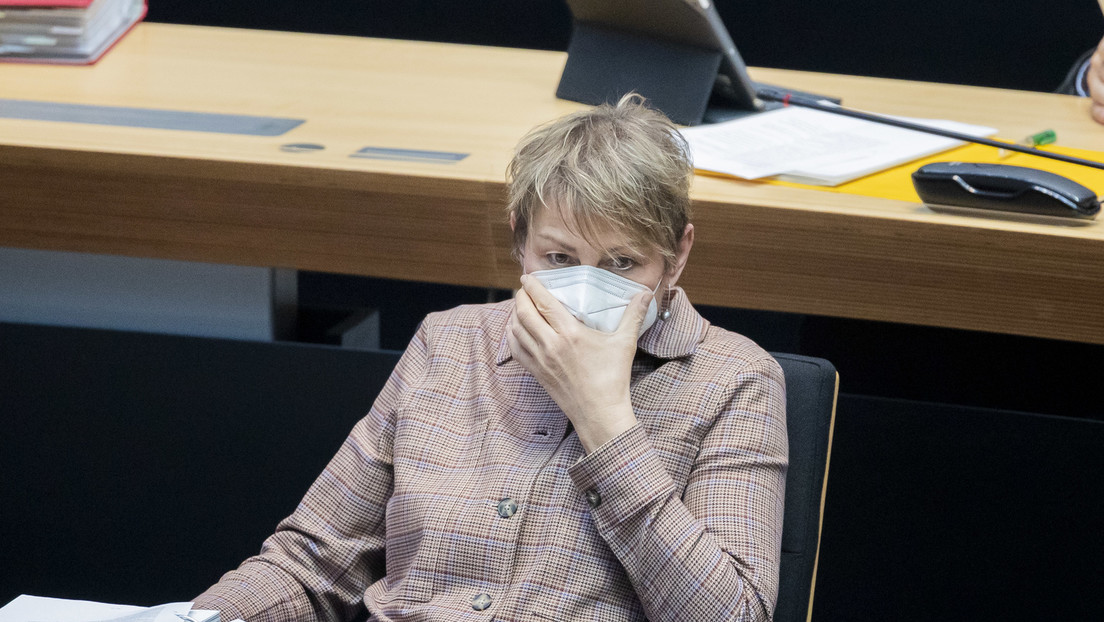 Verdacht auf Untreue: Ermittlungen gegen Berliner Sozialsenatorin Breitenbach