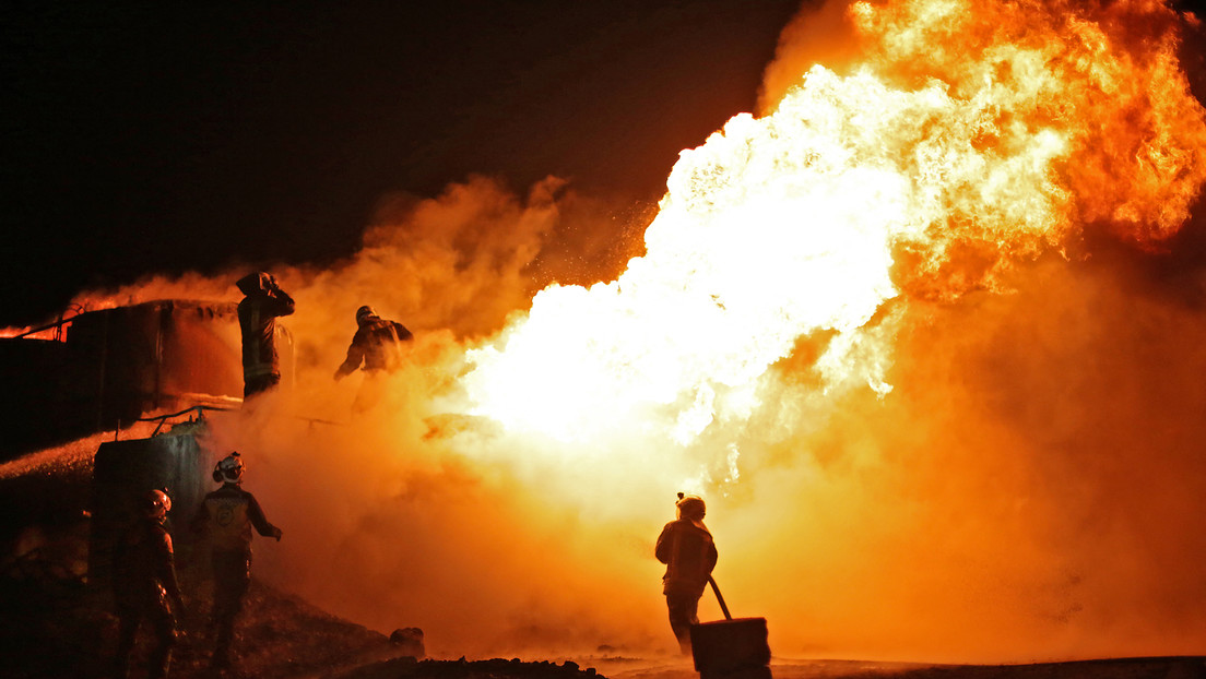 Raketenangriff verwüstet illegale Ölraffinerie in Nordsyrien