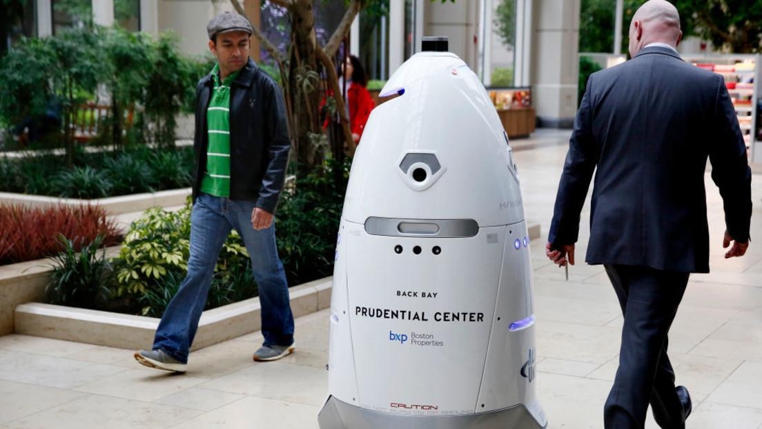 Robocop in real? – Sicherheitsroboter patrouilliert in Wohnkomplex in Las Vegas