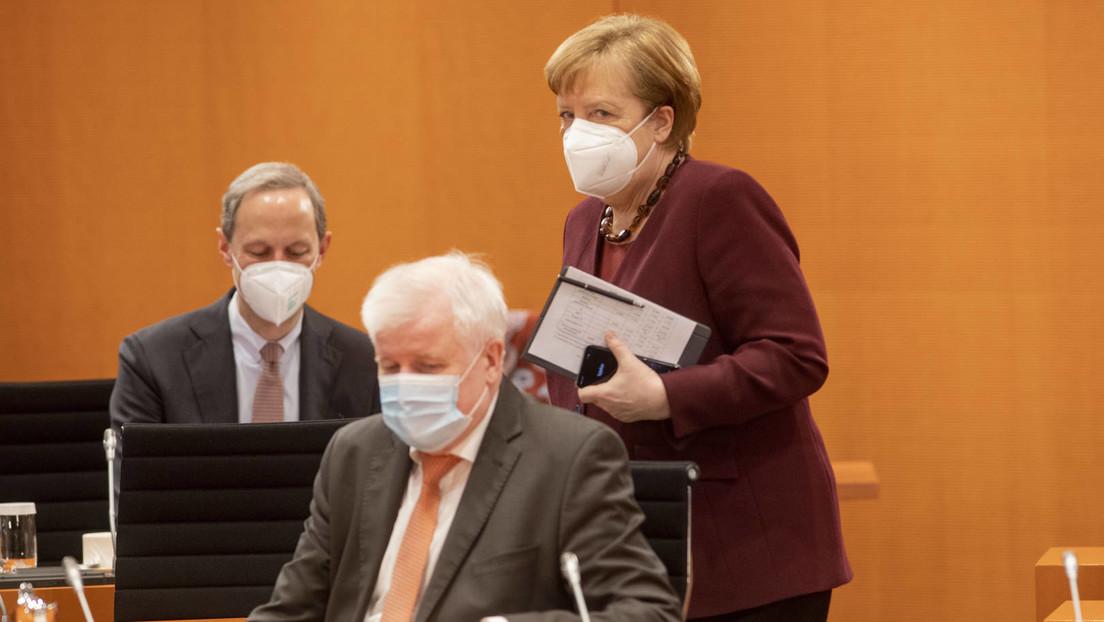 """Ein Fall von """"Berateritis""""? Bundesregierung gab 2020 Hunderte Millionen Euro für externe Berater aus"""