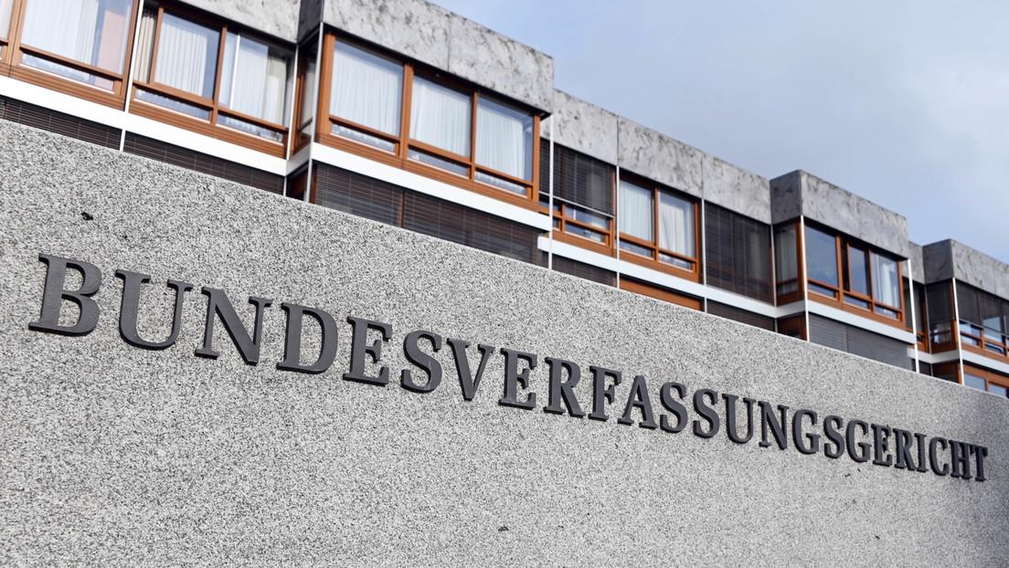 Berliner Richter reicht Verfassungsbeschwerde in Karlsruhe gegen deutsche Pandemie-Politik ein