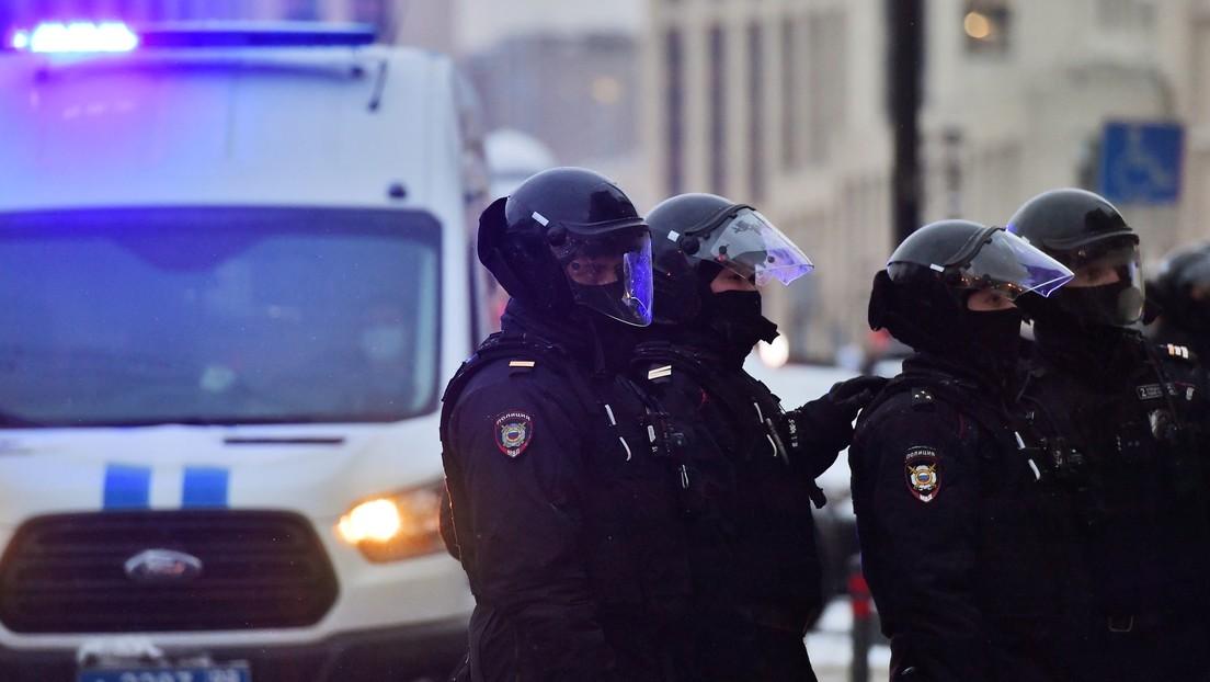 Moskau: Polizei beendet Treffen verbotener Gruppe um Ex-Oligarchen Chodorkowski – Festnahmen