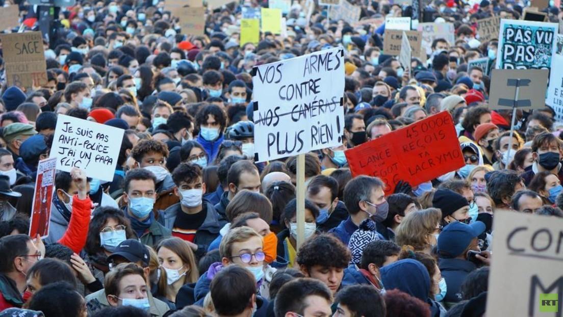 """LIVE: Protest in Paris gegen Gesetz zur """"Globalen Sicherheit"""""""