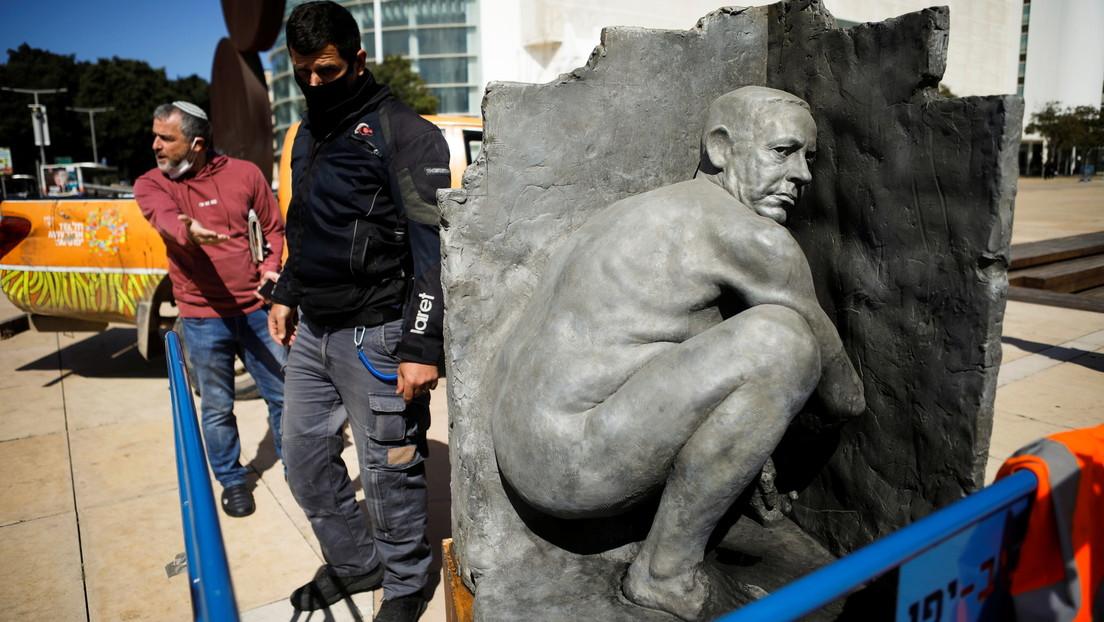 Israel: Statue, die Netanjahu beim Pinkeln zeigt, kurz vor Wahlen in Tel Aviv aufgestellt