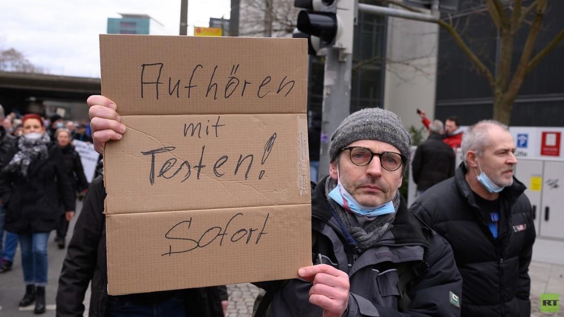 """Dresden: 5.000 Euro Zwangsgeld für Anmelder der """"Querdenken""""-Demo"""