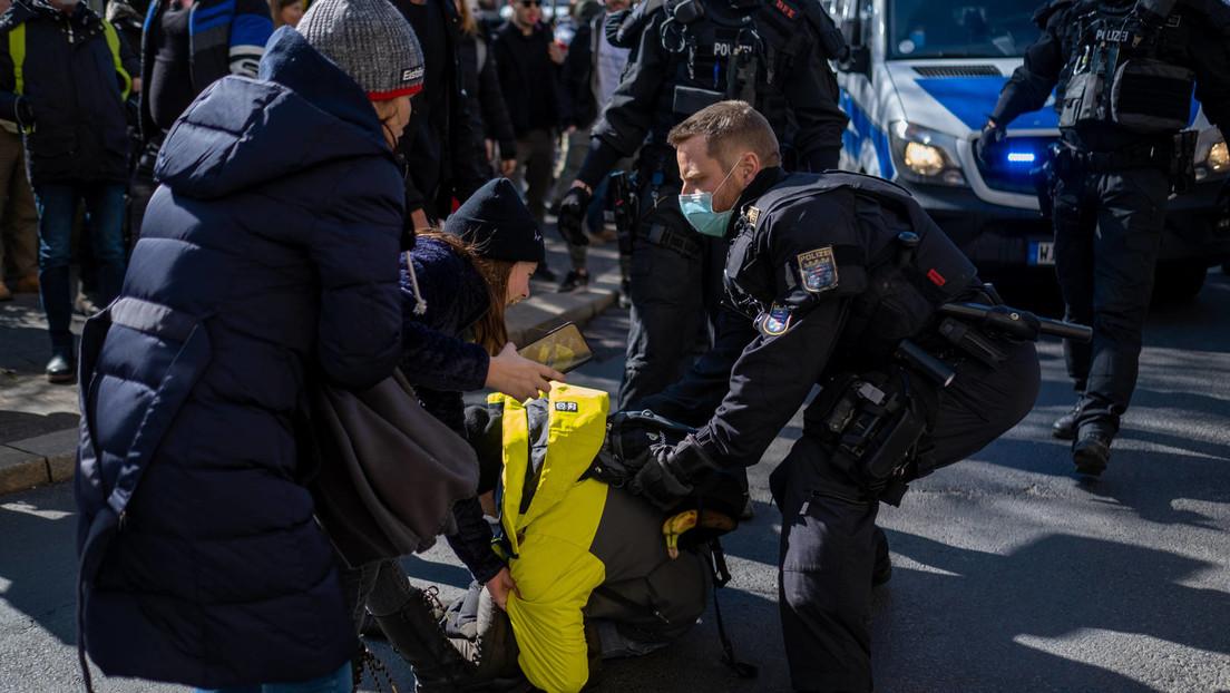 Polizei löst angemeldete Anti-Corona-Demo in Kassel auf