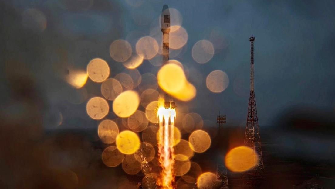 Russland: Rakete Sojus 2.1a bringt 38 Satelliten ins All