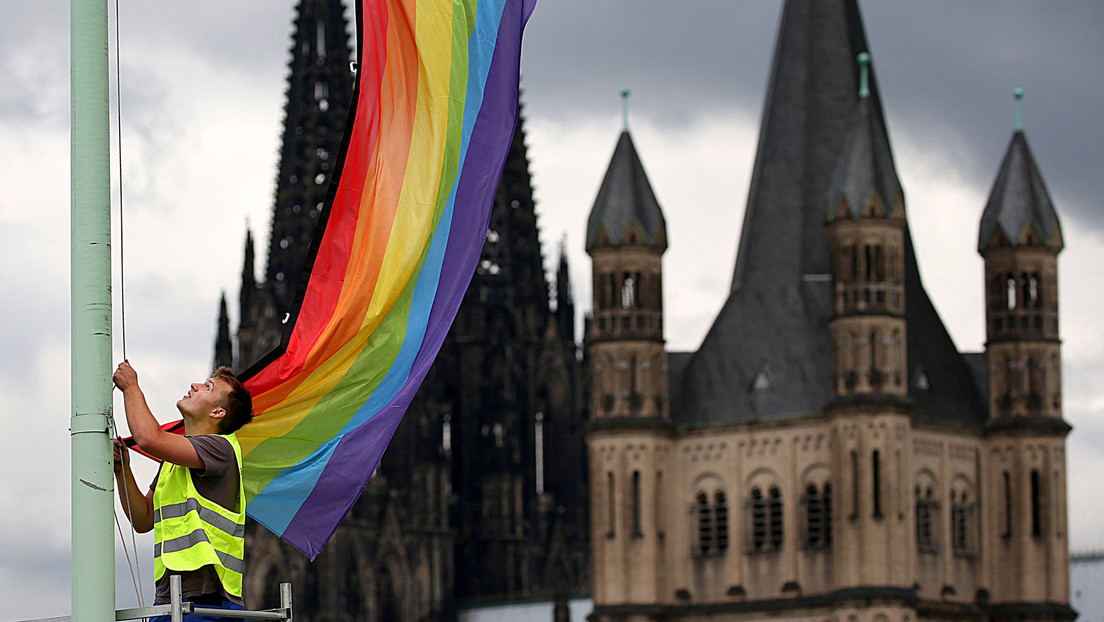 Mehr als 200 Theologieprofessoren protestieren gegen Segnungsverbot für homosexuelle Paare