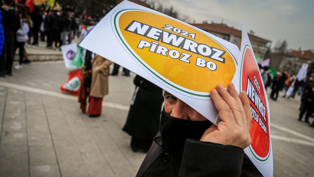 Kurdische Gemeinde versammelt sich zum Nowruz-Fest in Berlin