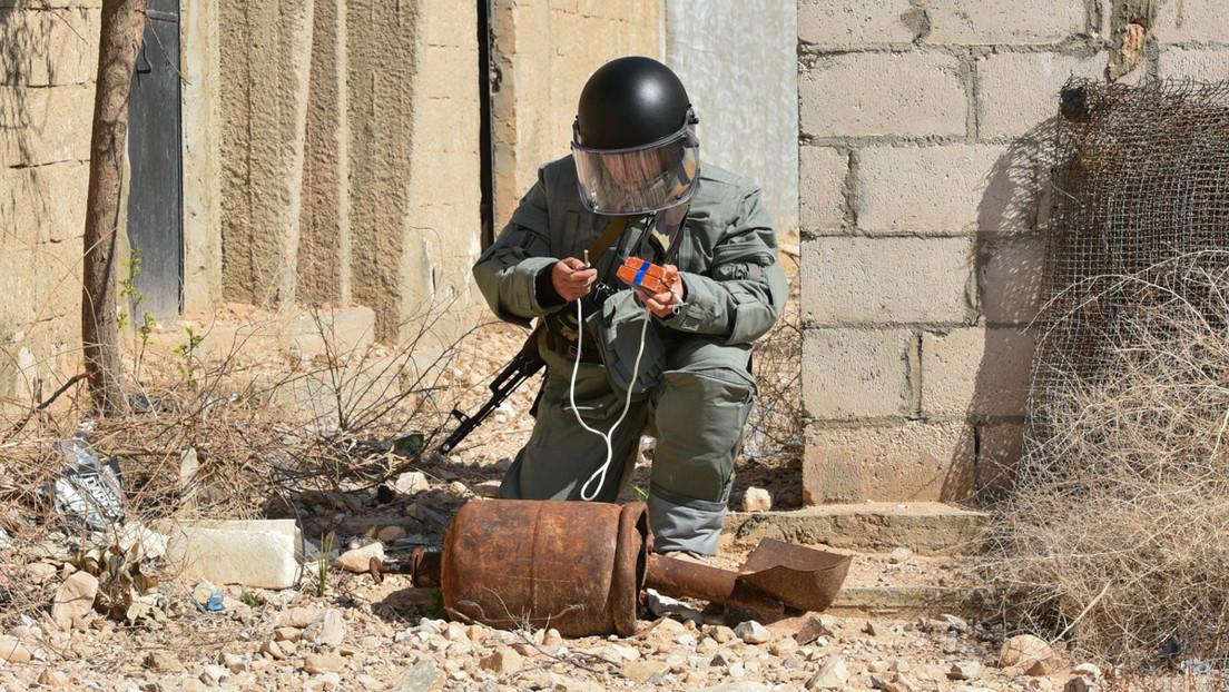 Russische Militärpioniere sprengen Terroristenhöhle in Syrien
