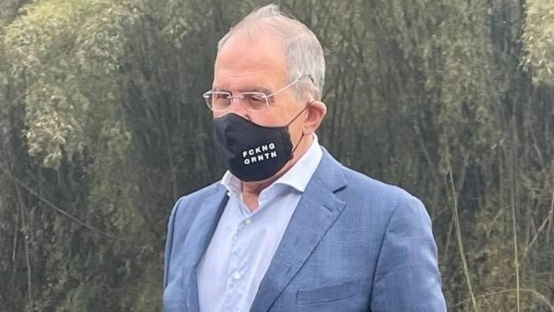 """Politische Botschaft? Sergei Lawrow posiert mit """"Fucking Quarantine""""-Schutzmaske und bekommt Lob"""
