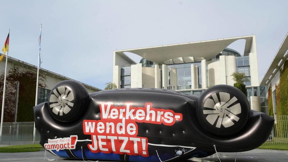 """Streit um Zukunft des Verbrenners vor """"Autogipfel"""" mit Merkel"""
