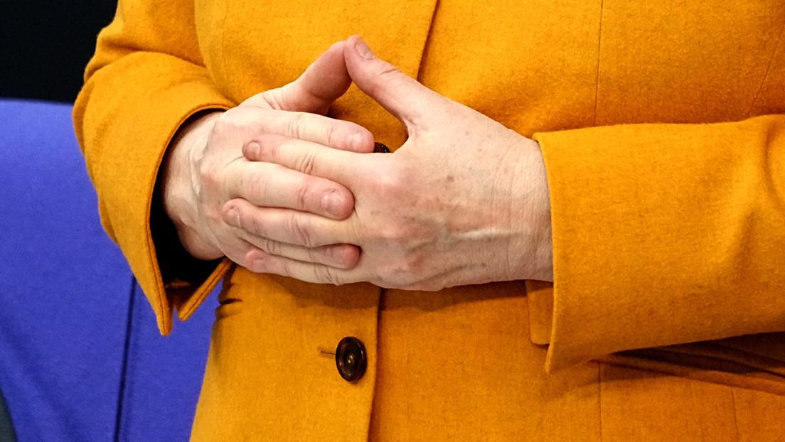 Linke, AfD und FDP fordern, dass Kanzlerin Merkel im Bundestag die Vertrauensfrage stellt