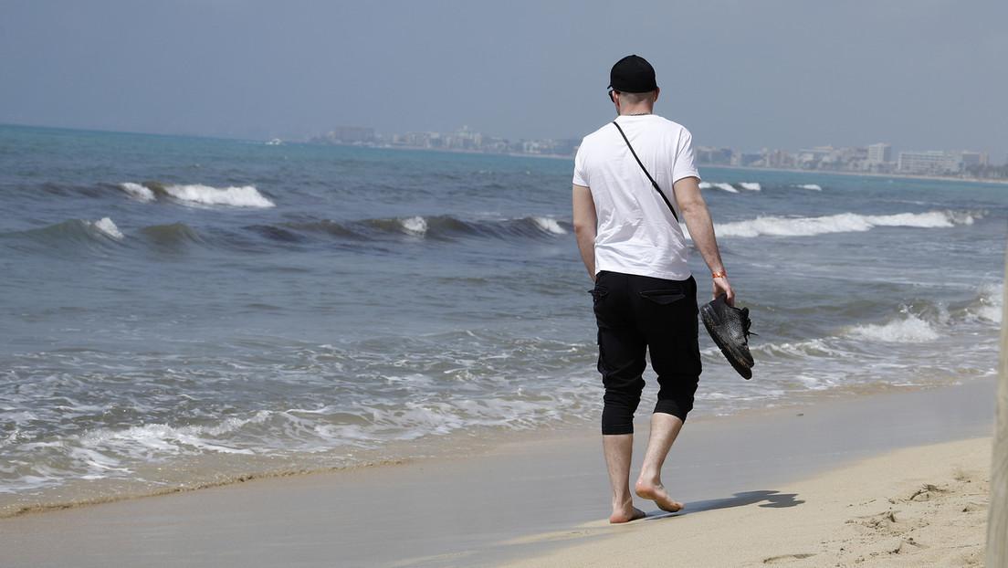 Bundesregierung prüft Verbot von Urlaubsreisen ins Ausland