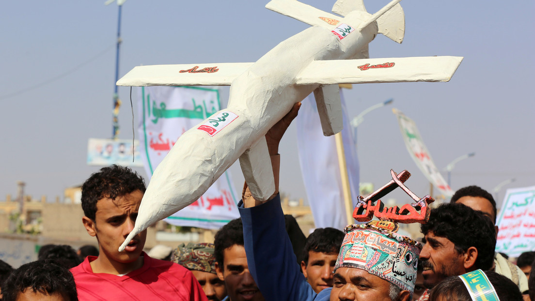 Mögliche Vergeltung für Angriff auf Getreidehafen: Huthi-Drohnen greifen saudisches Ölterminal an