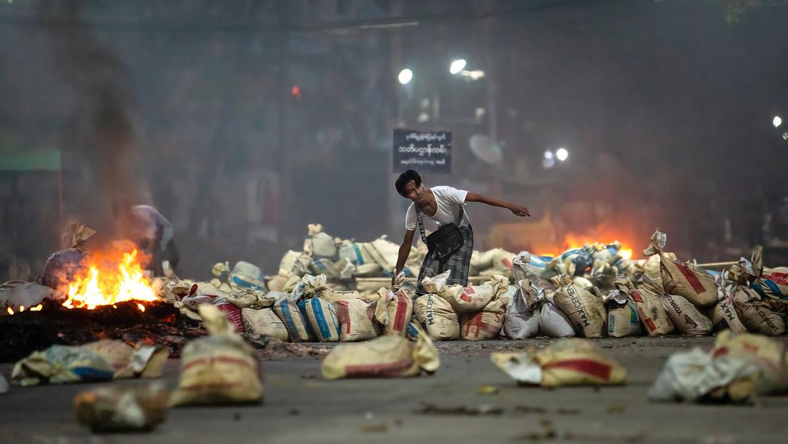 """UN-Sondergesandter beschuldigt Militärjunta in Myanmar des """"Massenmordes"""""""