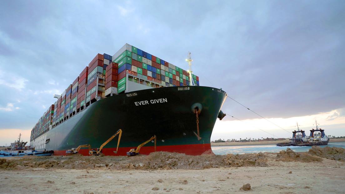 Suezkanal: Heck des havarierten Containerschiffes Ever Given seit den Morgenstunden wieder frei