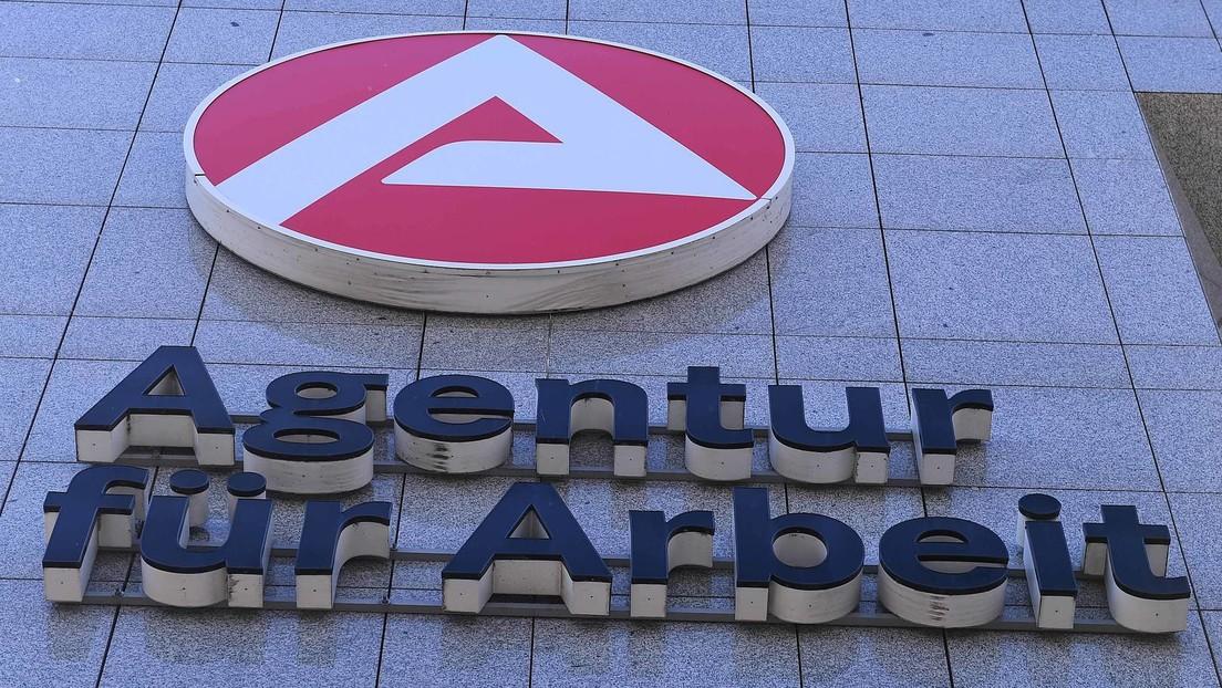 Bundesagentur für Arbeit fordert von Düsseldorferin einen Cent zurück