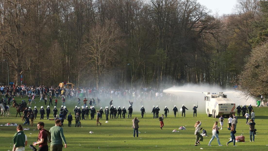 Brüssel: Polizei setzt Wasserwerfer, Tränengas und Drohnen gegen Bürger ein
