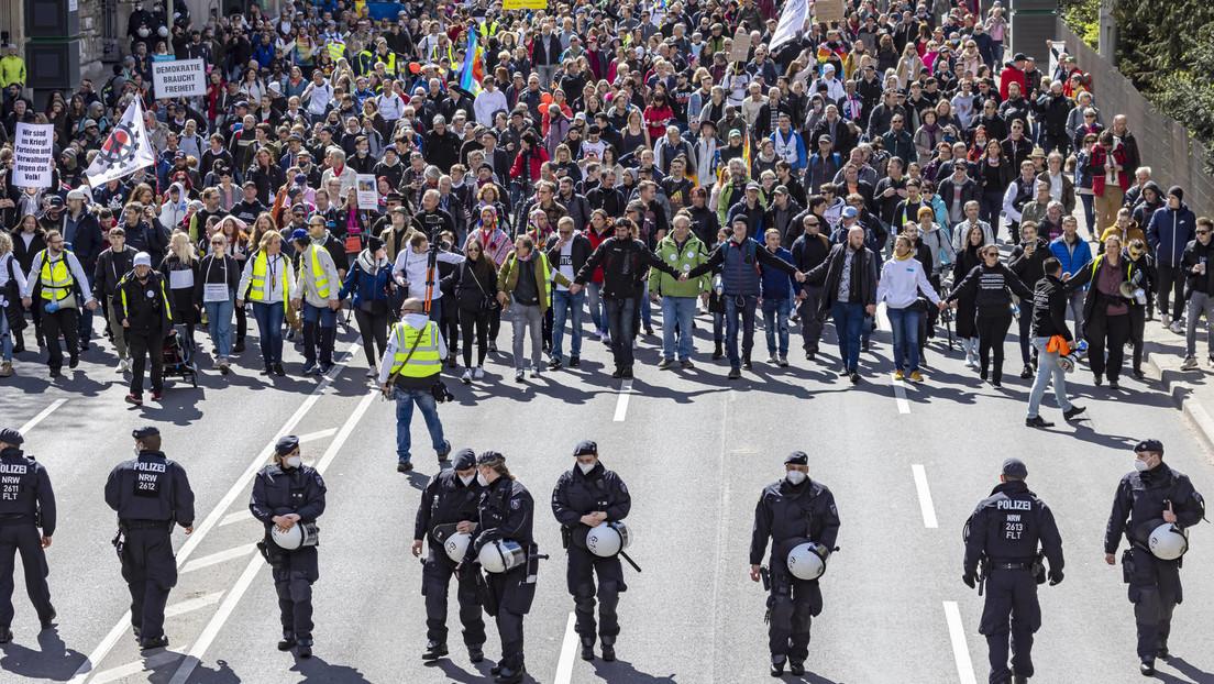 """""""Querdenker""""-Demo löst heftige Kritik aus – Forderungen nach Demonstrationsverboten"""