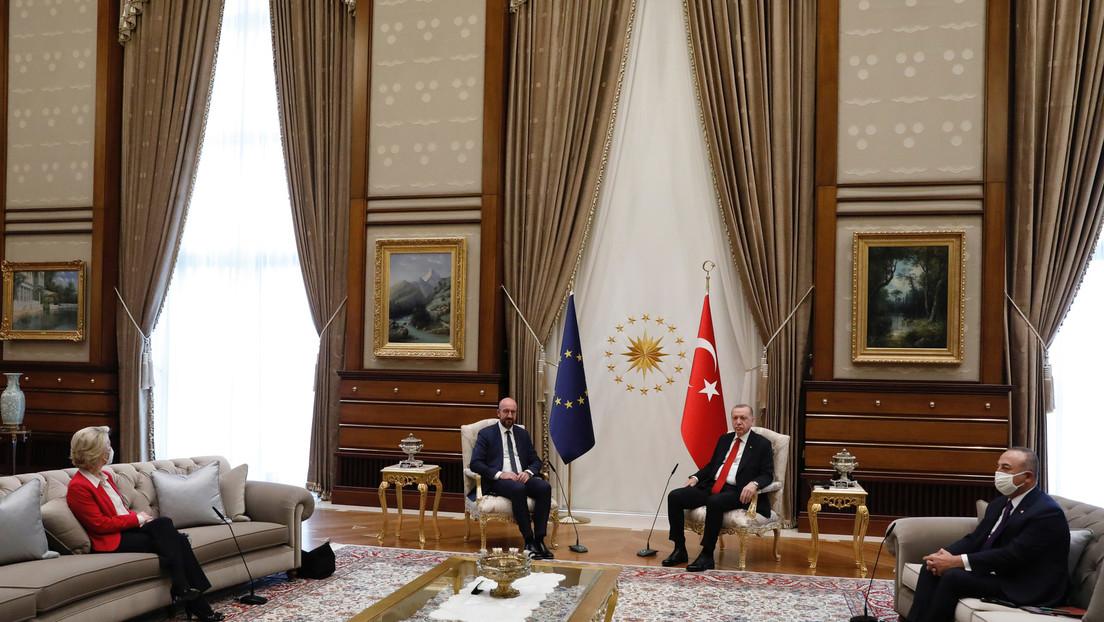 Von der Leyen auf der Couch: Scharfe Kritik an Besuch bei Erdoğan