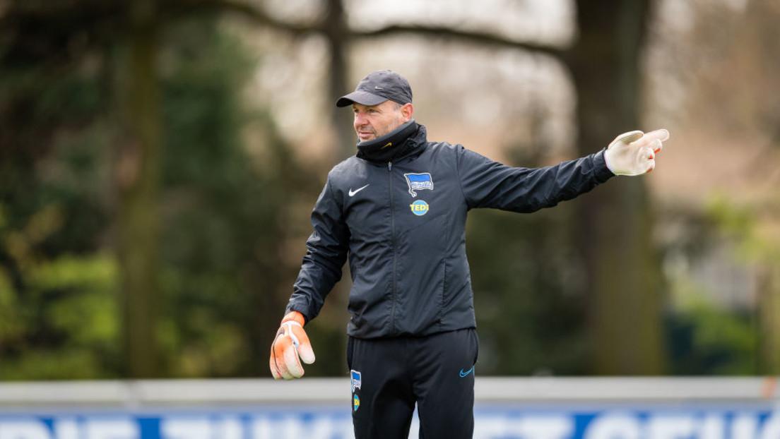 Kritische Äußerungen zu Migration und Homoehe – Hertha setzt langjährigen Torwarttrainer vor die Tür