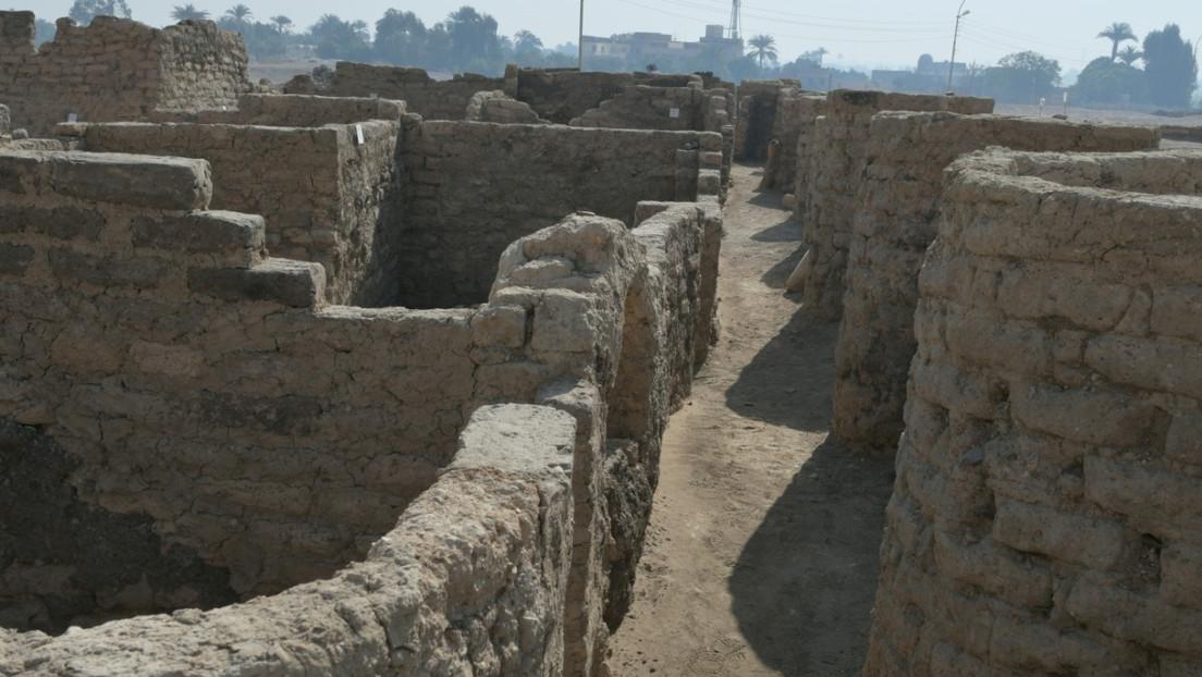 Ägypten: Dreitausend Jahre alte Stadt im Sand gefunden