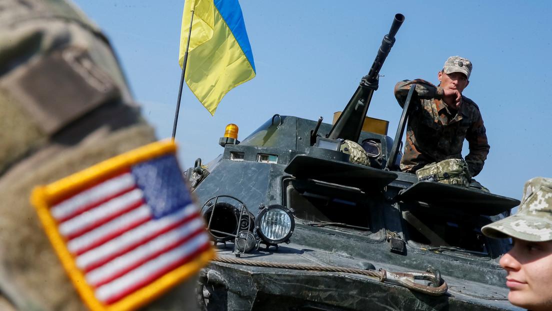 """""""Ukraine oder Tod"""": US-Militärattaché in Kiew trägt ukrainische Militäruniform im Donbass"""