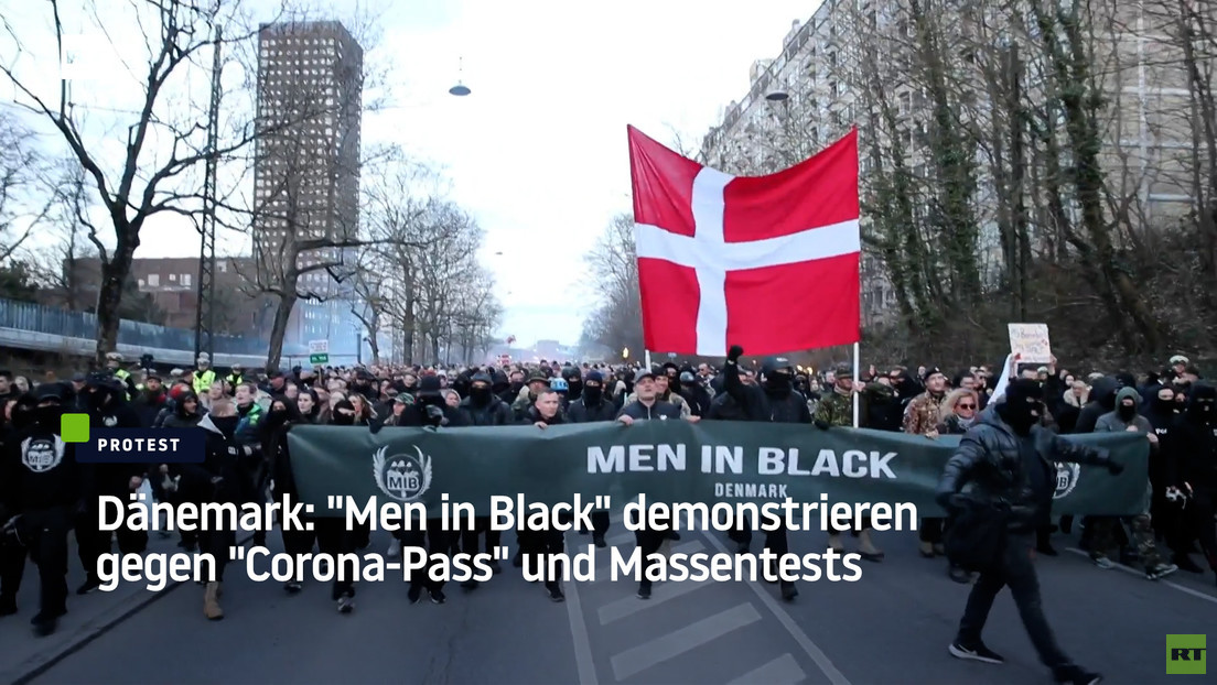 "Dänemark: ""Men in Black"" demonstrieren gegen ""Corona-Pass"" und Massentests"