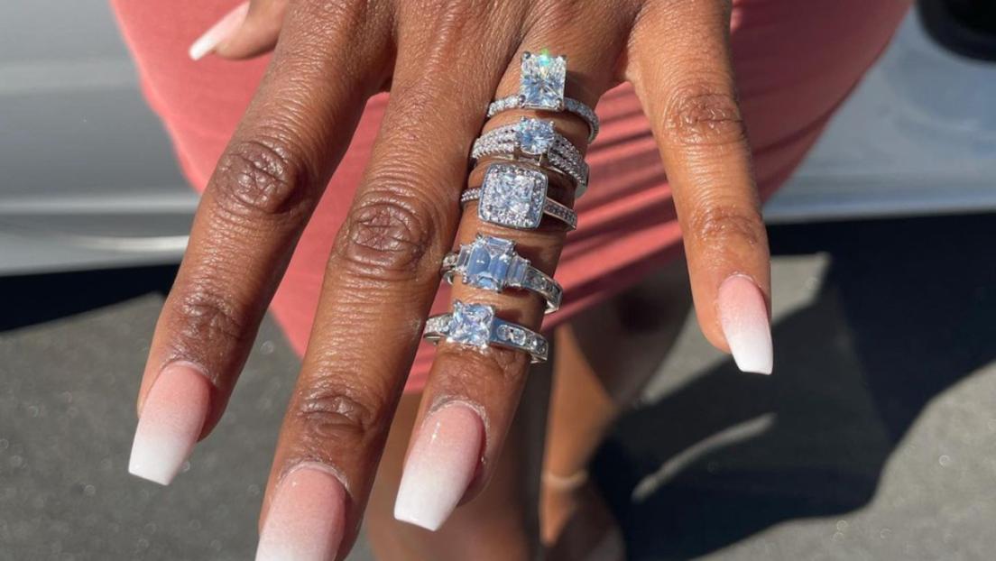 So viele Facetten der Liebe: US-Amerikaner macht Heiratsantrag mit fünf Diamantringen