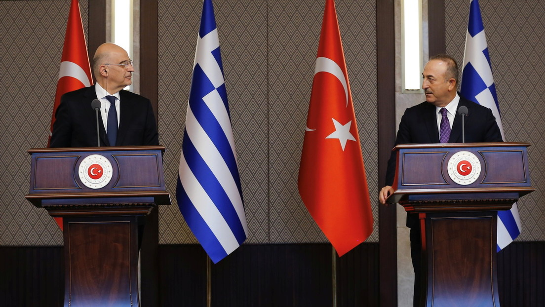 """""""Wollen wir weiter so streiten?"""" – Eklat bei Besuch von griechischem Außenminister in Türkei"""