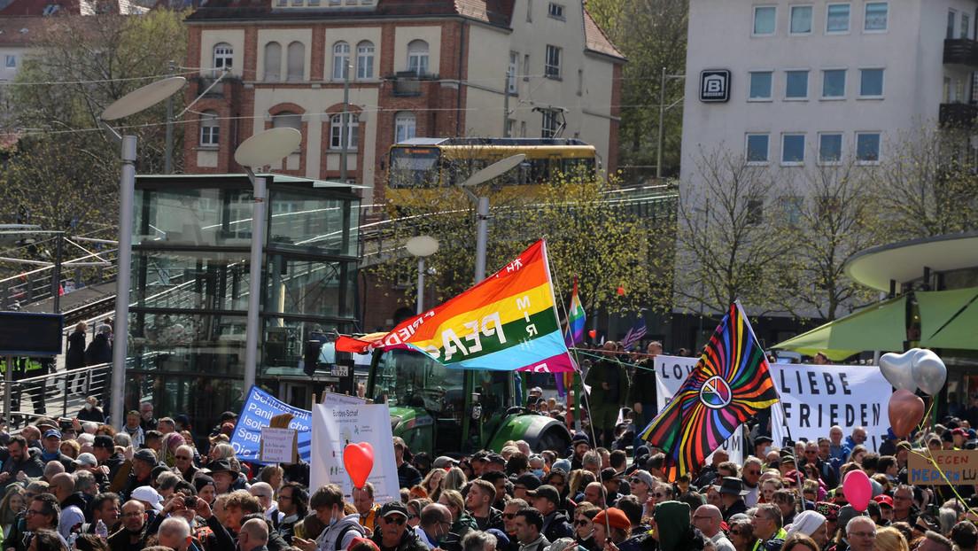 LIVE aus Stuttgart: Protest gegen Corona-Maßnahmen und Ausgangssperre