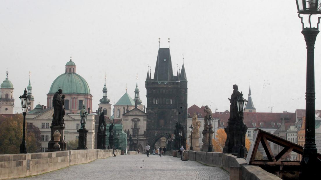 """Tschechische Republik weist 18 russische Diplomaten aus: """"Waren an einer Explosion 2014 beteiligt"""""""