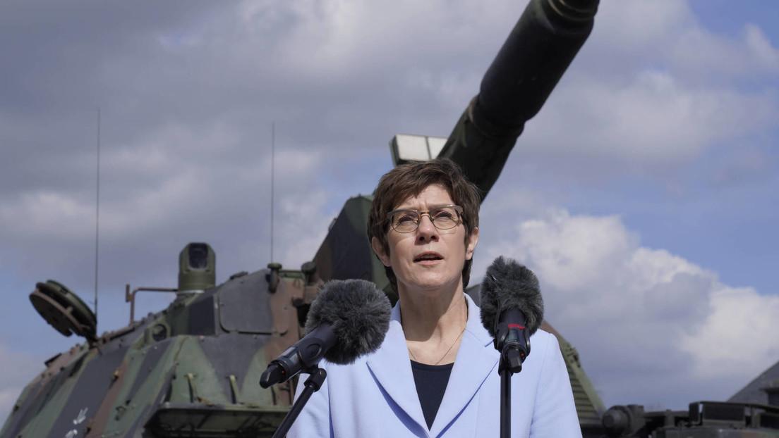 """Verteidigungsministerin Kramp-Karrenbauer warnt: """"Russland bedroht Europa konkret und unmittelbar"""""""
