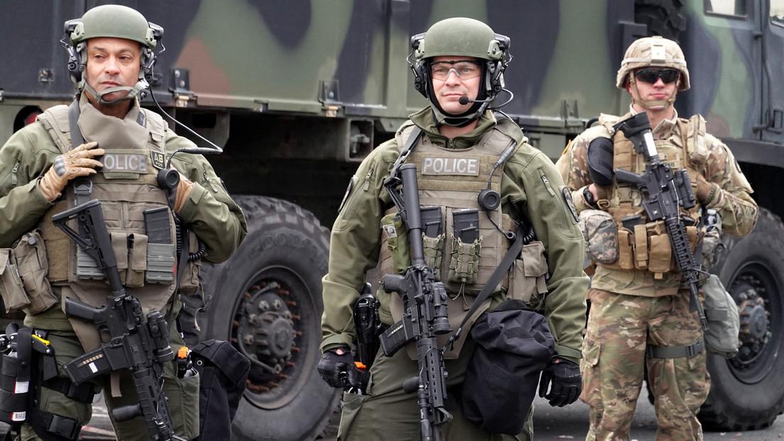 Surreale Szenen in Minneapolis: Bewaffnete Nationalgardisten zwingen Frauen, aus dem Auto zu steigen