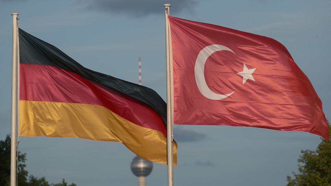 Menschenschmuggel aus der Türkei nach Deutschland durch Dienstpässe?